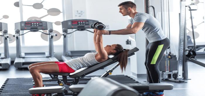 Antes de abrir un gimnasio, busca personal capacitado para los entrenamientos