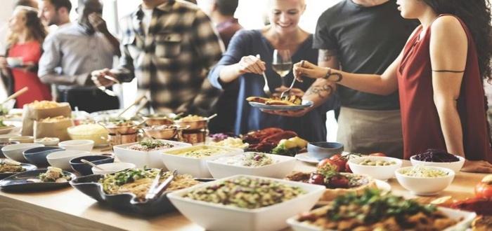 Haz publicidad para atraer a muchos clientes a tu negocio de catering desde casa