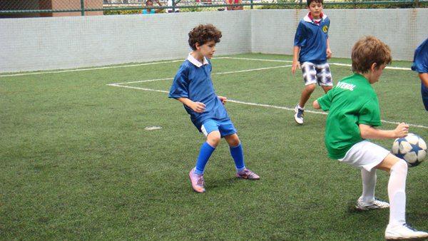 Cómo abrir una escuela de fútbol para niños