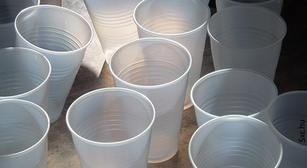 Cómo montar una fábrica de vasos descartables