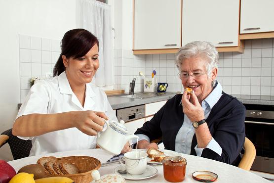 Idea de negocio rentable: cuidador de personas mayores