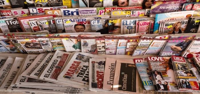 Las revistas impresas son unas de las ideas de negocio para diseñadores gráficos