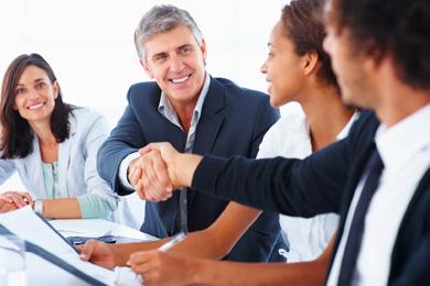 Aprenda a hablar con sus clientes para el éxito de una venta