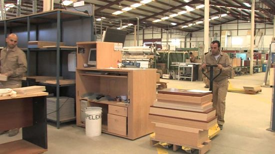 Fabricantes De Muebles De Oficina En España : Cómo abrir una fábrica de muebles madera