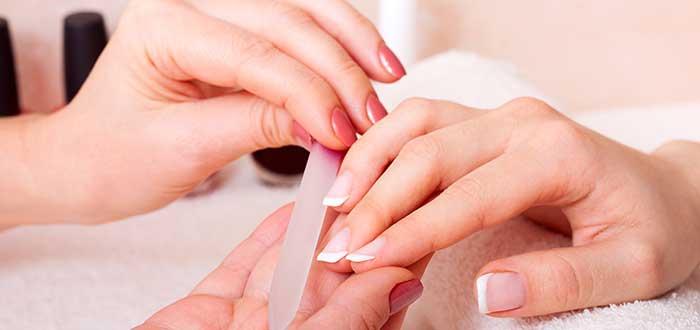 manicura-negocio-desde-casa-para-mujeres