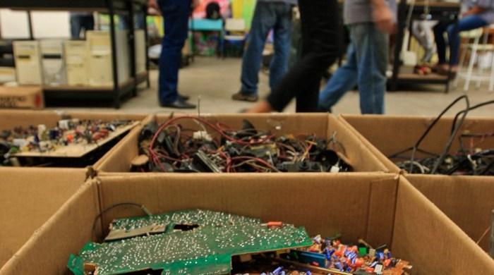 empresa de recolección de desechos electrónicos