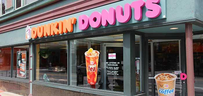 vista-frontal-establecimiento-dunkin-donuts