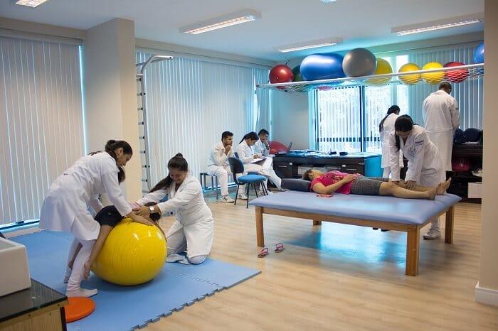 Cómo abrir un centro de fisioterapia: ¡guía paso a paso!