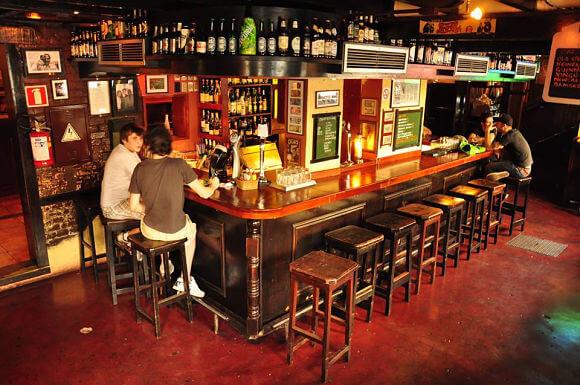 Abrir un bar en un barrio
