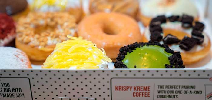 caja con donas de Krispy Kreme