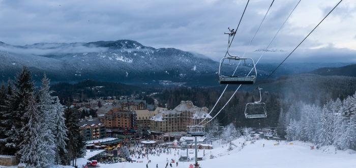Esquí-pueblo-de-montaña