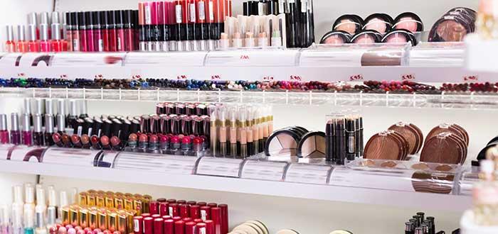 Pasos para montar una tienda de maquillaje